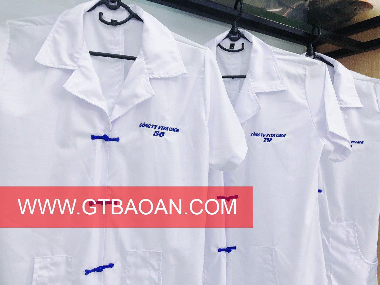 Áo blouse trắng công ty VIVA CACA