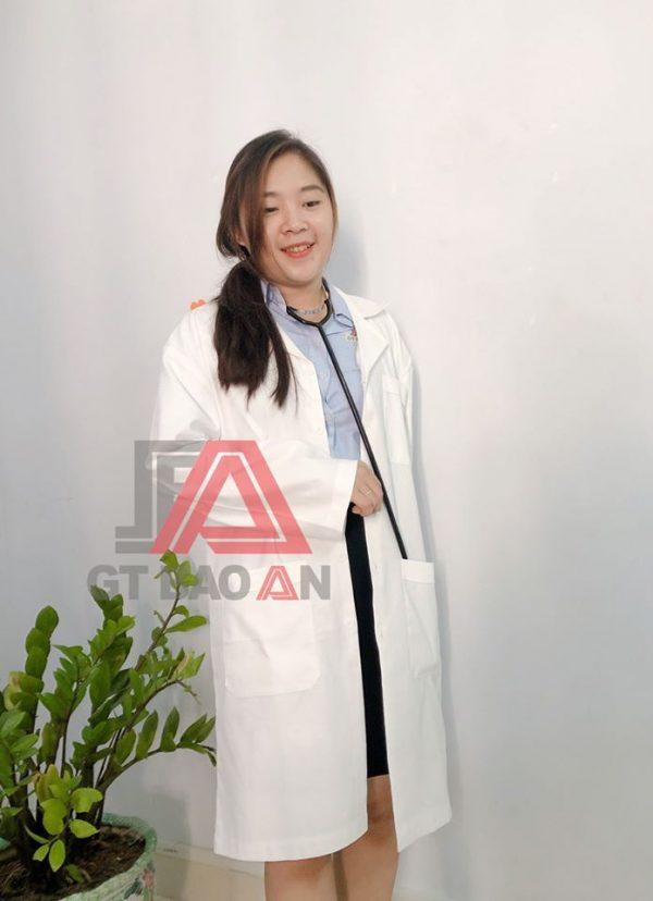 Áo blouse trắng dài tay dành cho nữ