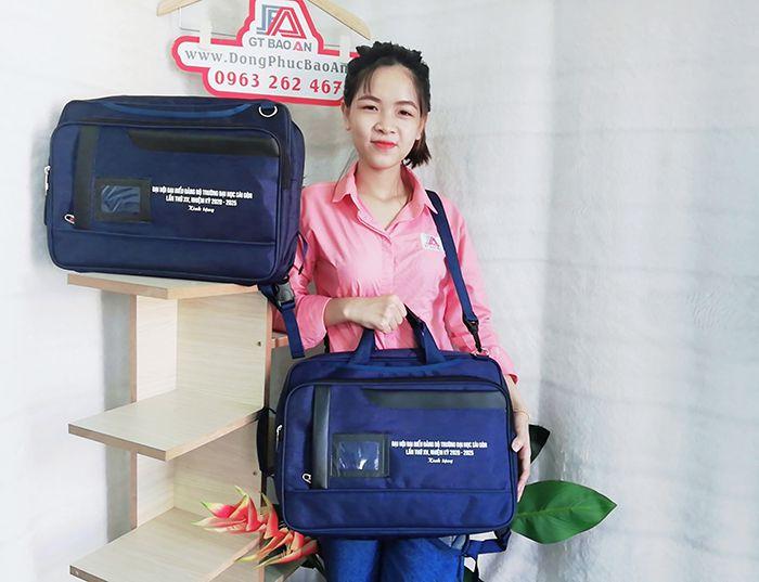 May Balo Cặp Sách Đa Năng 2 in 1 Trường Đại Học Sài Gòn 06