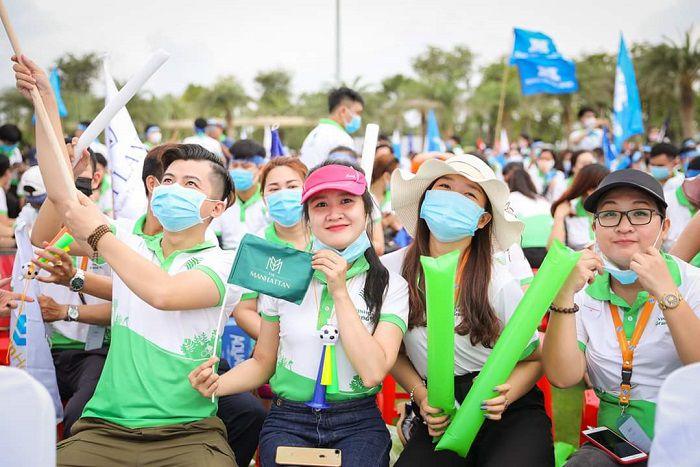 May Đồng Phục Công Ty Bất Động Sản Vinhomes Grand Park