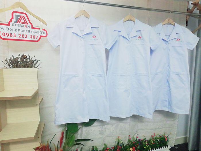 Áo blouse bác sĩ ngắn tay Ngọc Nữ Tâm Vương 02