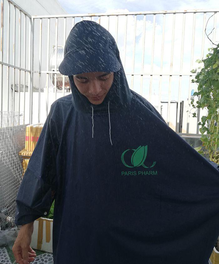Áo mưa vải dù – áo mưa quà tặng paris pharm 03