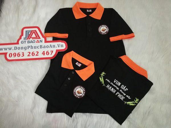 May đồng phục áo thun cổ trụ in logo quán coffee 04