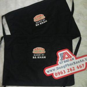 Tạp dề ngắn màu đen may sẵn giá rẻ in logo bánh mì Bà Khàn 03