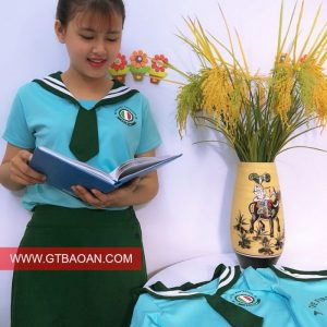 Mẫu đồng phục cô giáo mầm non đẹp dễ thương 02