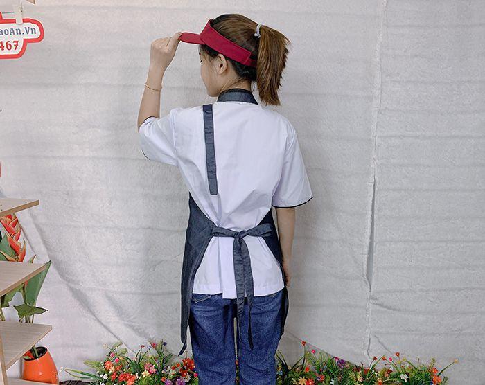 Mẫu tạp dề vải jean trơn hàng có sẵn giá gốc tại xưởng 01