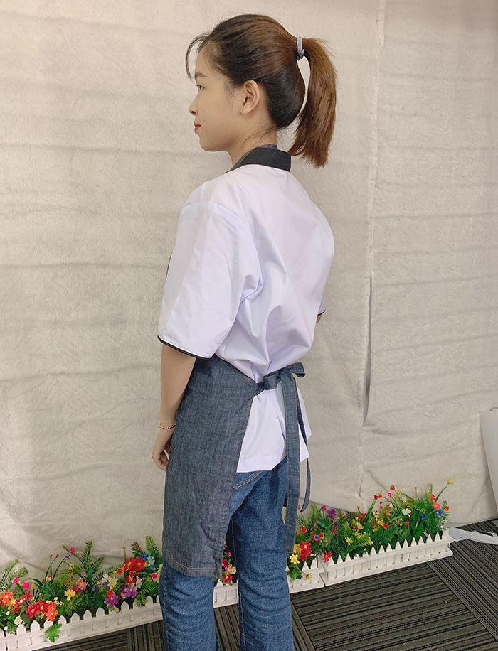 Mẫu tạp dề vải jean trơn hàng có sẵn giá gốc tại xưởng 02