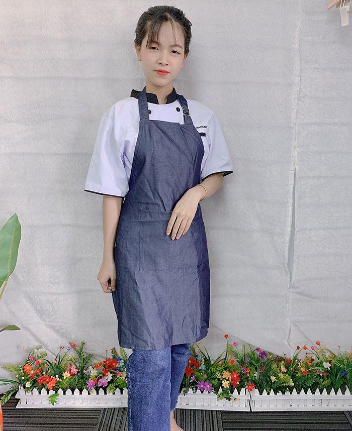 Mẫu tạp dề vải jean trơn hàng có sẵn giá gốc tại xưởng 03