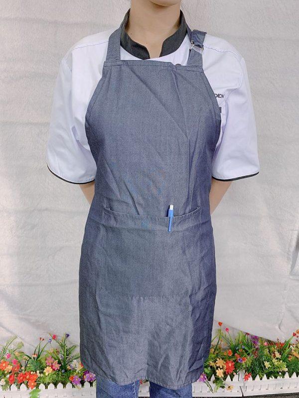 Mẫu tạp dề vải jean trơn hàng có sẵn giá gốc tại xưởng 04