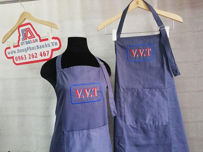 May tạp dề đồng phục quán in thêu logo V.V.T 01