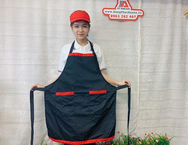 Tạp Dề Kaki Màu Đen Viền Đỏ Phục Vụ Tiệm Bánh 01