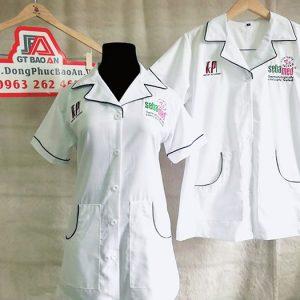 Áo blouse dược sĩ tay ngắn thân ngắn vải kate đẹp 01