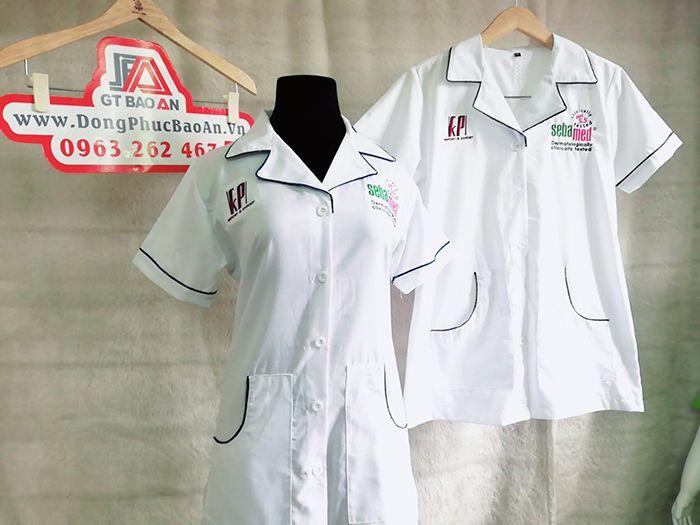 Áo blouse dược sĩ tay ngắn thân ngắn vải kate đẹp 02