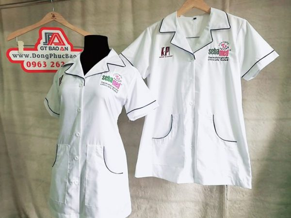 Áo blouse dược sĩ tay ngắn thân ngắn vải kate đẹp 03