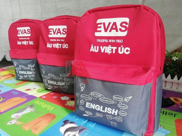 May balo học sinh trung tâm anh ngữ Việt Âu 01