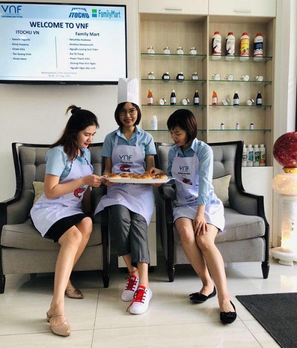 May tạp dề công ty cổ phần Việt Nam Food (VNF) 05