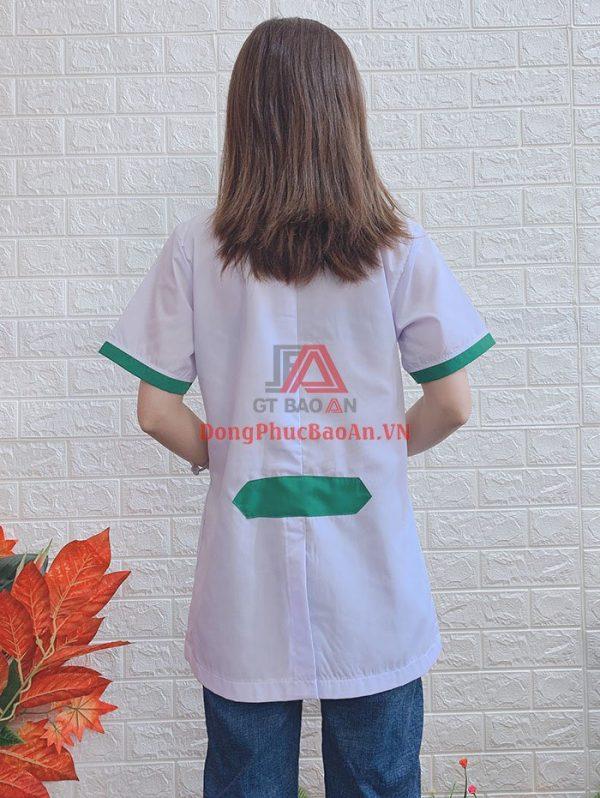 Mẫu Áo Blouse Tay Ngắn Màu Trắng Phối Viền Xanh – Vải Kate Silk Cao Cấp – Khớp AQ
