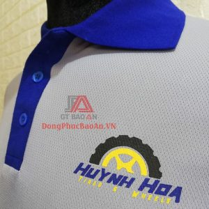 Mẫu Áo Thun Nam Dài Tay Cổ Trụ Xám Trắng Mâm Lốp Xe HUỲNH HOA – Xưởng may áo thun đồng phục Bình Tân – Tân Phú