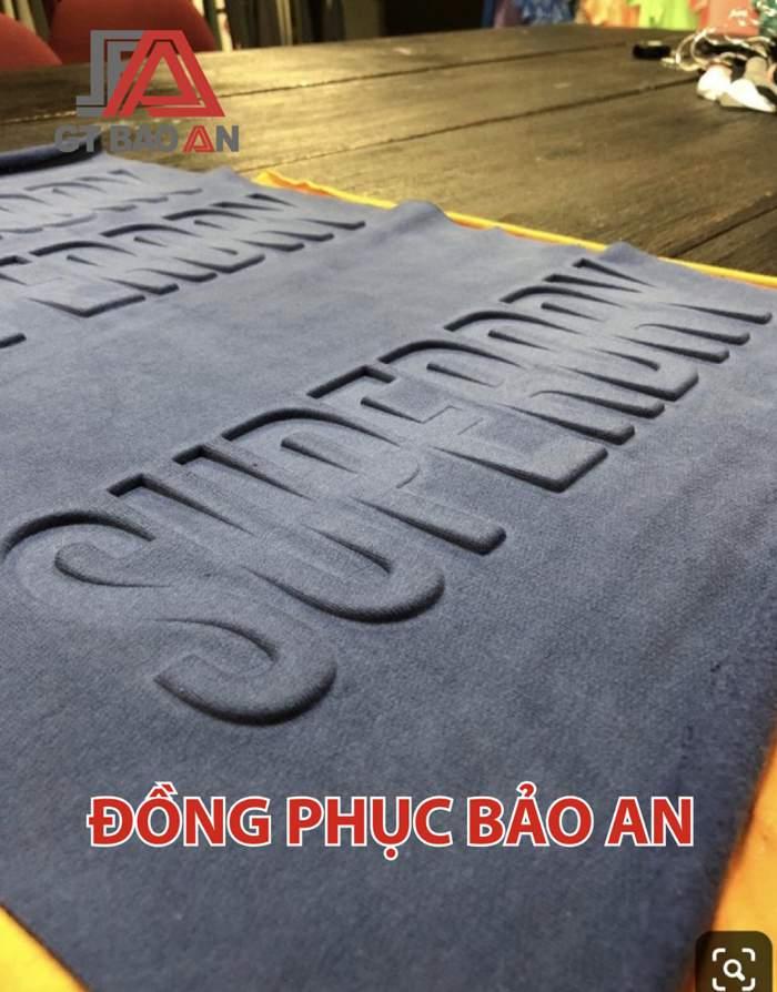 In Dập Nổi Logo Trên Áo Thun Chất Lượng TPHCM-Bình Dương-Đồng Nai