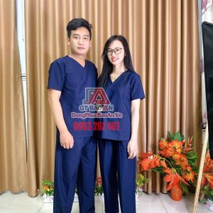 [May Sẵn] Bộ đồ Scrubs bác sĩ vải Kate Ford SG màu xanh ngọc lam - Bộ quần áo Blouse cổ tim cao cấp cho hộ lý, kỹ thuật viên, phòng khám