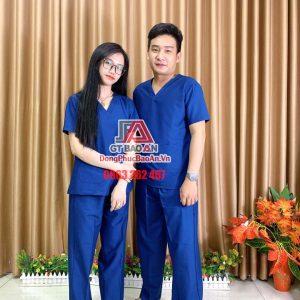 [May Sẵn] Bộ Scrubs bác sĩ, kỹ thuật viên phòng mổ màu xanh đoàn - Bộ quần áo Blouse nam nữ cổ tim vải Kate Ford SG
