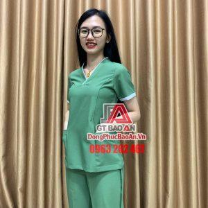 [May Sẵn] Bộ Scrubs đồng phục điều dưỡng cao cấp màu Xanh Vỏ Đậu - Quần áo Blouse cổ tim cho nữ y tá, điều dưỡng, hộ lý bệnh viện, nhân viên spa - thẩm mỹ viện