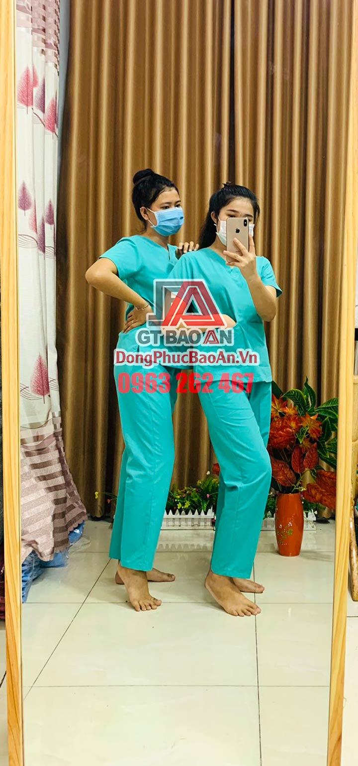 Bộ Scrubs Y khoa, Đồng phục y tế bệnh viện, Quần áo Blouse cổ tim màu Xanh Ngọc – Hàng cao cấp Cotton Hàn Quốc