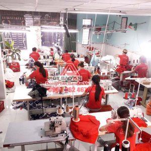 Xưởng may áo khoác gió đồng phục theo yêu cầu tại TPHCM, giá cạnh tranh nhất thị trường
