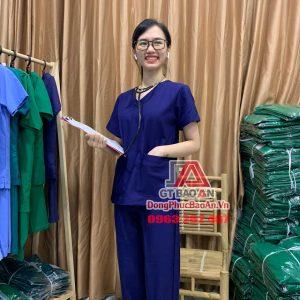 Bộ Scrubs bác sĩ cổ tim, Quần áo đồng phục y tá điều dưỡng cao cấp màu xanh bích đậm - vải cotton thun Hàn Quốc